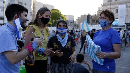 """Militantes """"celestes"""" marcharon al Congreso (Catalina Calvo)"""