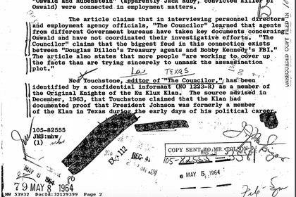 Un documento alude a un informante que dijo tener pruebas de que el presidente Lyndon B. Johnson había sido del KKK, pero no las mostró.