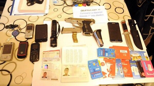 En un operativo que incluyó 13 allanamientos se secuestraron varios elementos, entre ellos dos armas de fuego