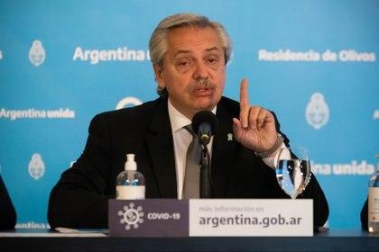 Alberto Fernández en la quinta de Olivos cuando anunció la postergación de la cuarentena hasta el 7 de junio inclusive