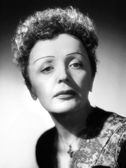 Édith Piaf nació el 19 de diciembre de 1915 en París. Sigue siendo una de las cantantes más respetadas de Francia. (AFP PHOTO)