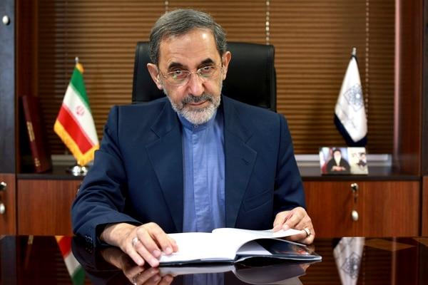 Ali Akbar Velayati es consejero del líder supremo, el ayatolá Ali Khamenei (foto de archivo)