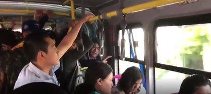 El transporte público es uno de los espacios en los que las mujeres de Puebla se sienten más violentadas (Foto: captura de pantalla)