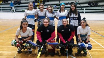 El plantel campeón juvenil de GEBA es dirigido por Lucia Rioboo (Comité Nacional Técnico HSP)
