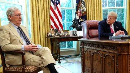Mitch McConnell, líder de la mayoría republicana en el Senado, que no está alineada con los pedidos de Donald Trump desde la Casa Blanca (Reuters)