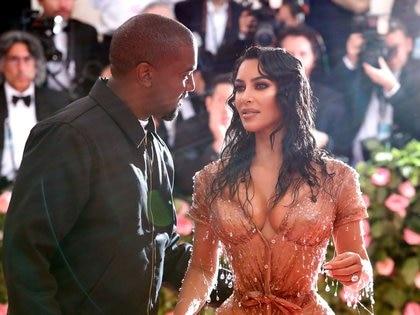 Kim Kardashian y Kanye West llevaban siete años de matrimonio (REUTERS)