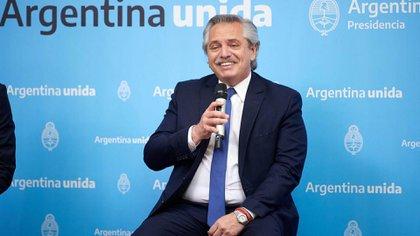 """""""Es una reparación de lo que el Estado no hizo durante muchos años"""", sostuvo Alberto Fernández"""