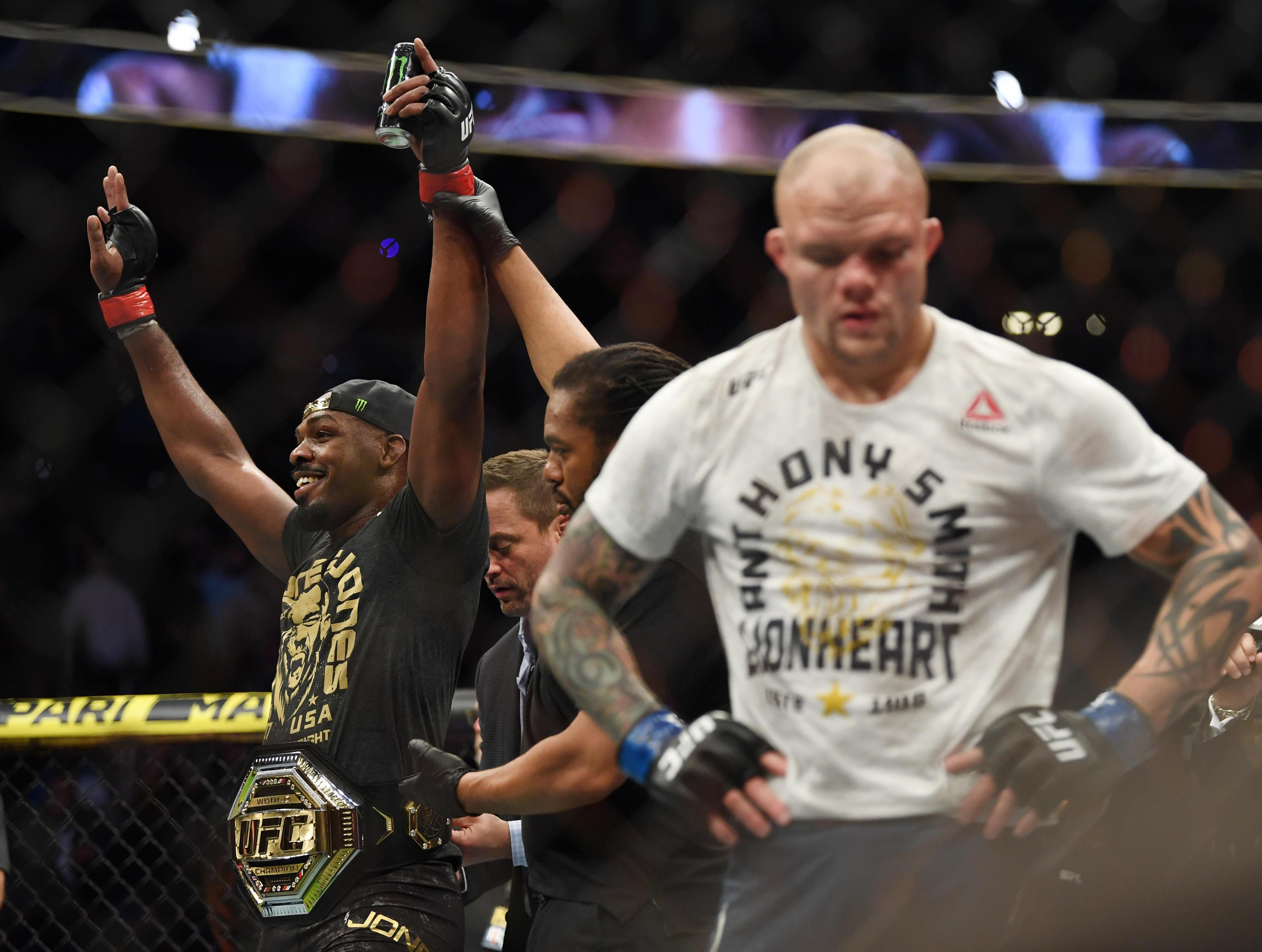 jon Jones quiere renunciar al cinturón de UFC - USA TODAY Sports