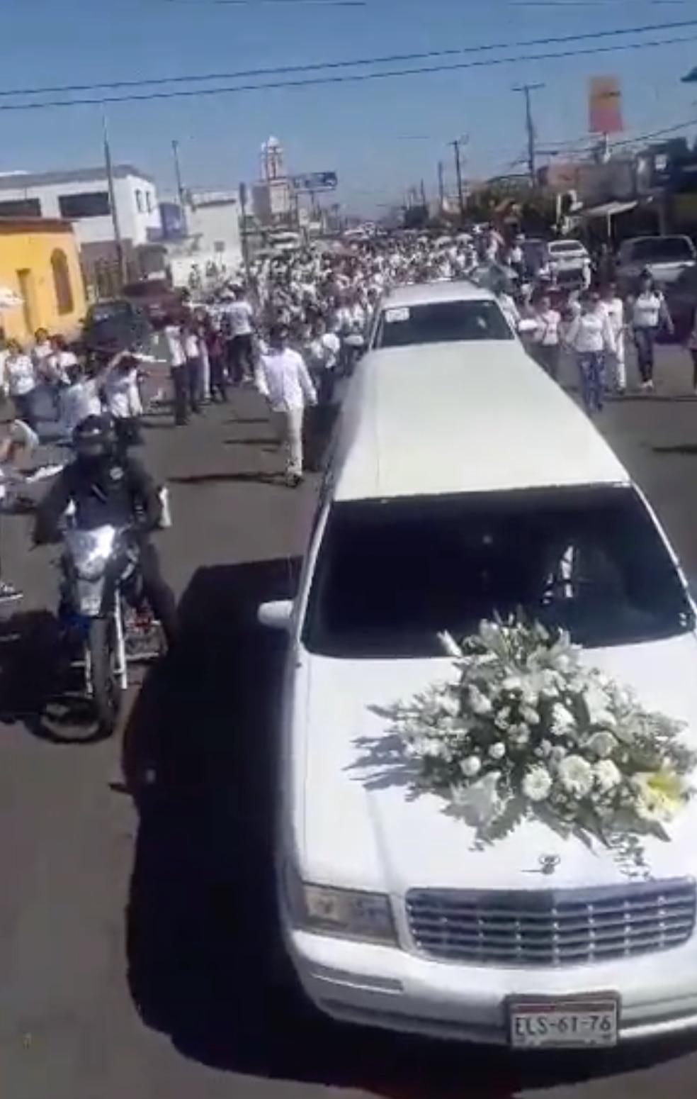 Las calles de Meoqui recibieron a Norberto Ronquillo con pedidos de justicia y gritos de su nombre (Foto: Captura de pantalla)