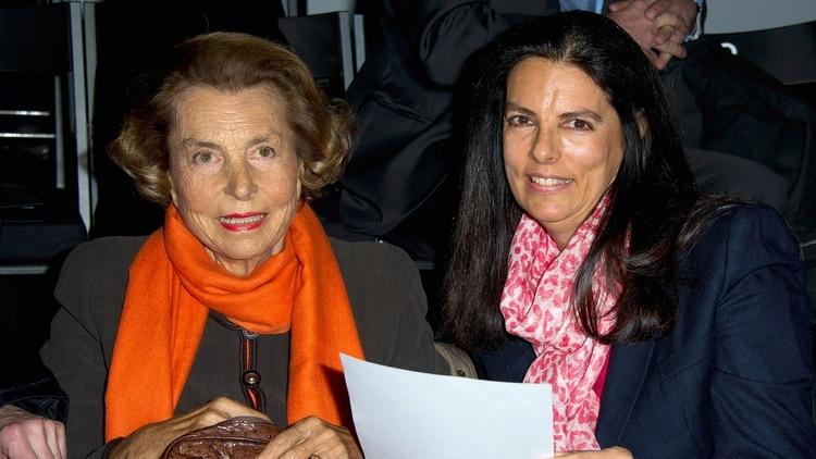 Liliane Bettencourt y Francoise Bettencourt-Meyers 1920 (Getty)