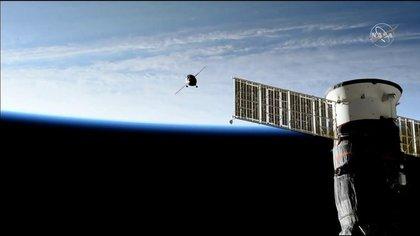 Con escombros de cohete, evitan colisión en Estación Espacial