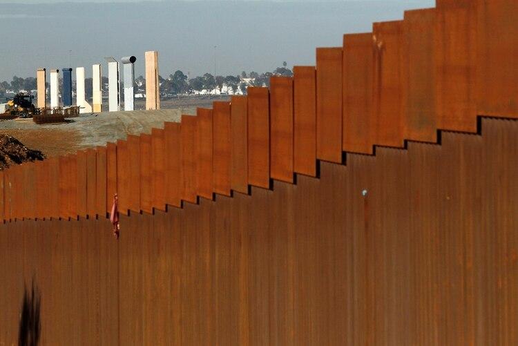 Uno de los prototipos del muro fronterizo de Donald Trump