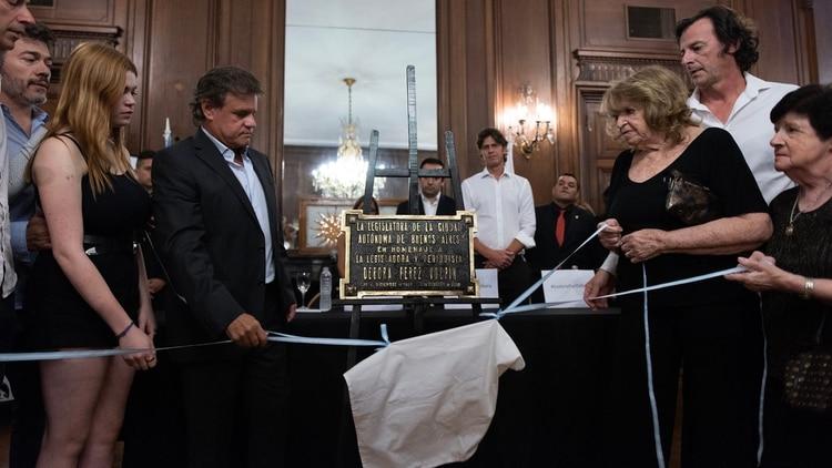 Una placa en la legislatura porteña a modo de homenaje a Pérez Volpin (Adrián Escandar)