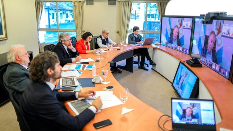 El Presidente durante la conferencia que realizó esta mañana con los gobernadores de todo el país