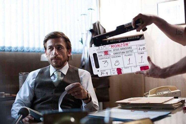 """El platense, en la piel del """"fiscal Parisi"""", en la serie de Monzón (Foto: Instagram)"""