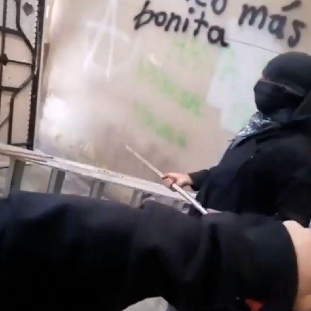 Encapuchados toman oficinas del Colegio de Bachilleres