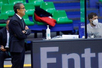 El entrenador Luis Casimiro. EFE/Santi Otero/Archivo