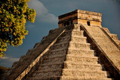 Pirámide de Kukulcá  Foto: Mauricio Marat/ INAH