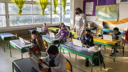 Uruguay suspendió de entrada las clases, pero las reinició en mayo en áreas rurales y en junio para todo el país (AP)