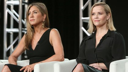 Jennifer Aniston y Reese Witherspoon (Crédito: Buchan / Variety / Shutterstock)