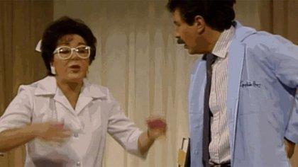 """Lupe Vázquez será recordada por su papel de la enfermera """"Paula"""" del programa """"Dr. Cándido Pérez"""" (Foto: Captura de pantalla)"""