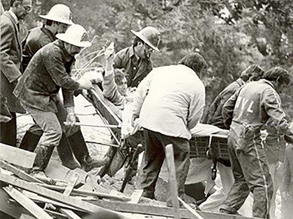 Guillermo Walter Klein, rescatado entre los escombros de su casa, dinamitada por Montoneros