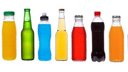 El consumo de bebidas azucaradas aumentó en la Argentina y en el mundo en las últimas décadas (Shutterstock)