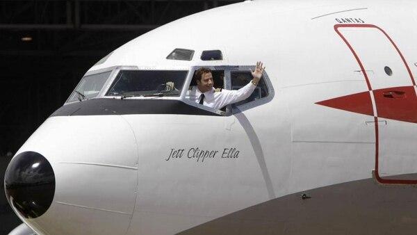 John Travolta tiene licencia de piloto comercial