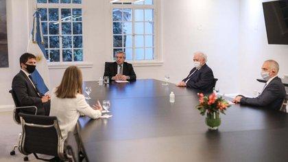 El Presidente recibió en Olivos a directivos de la empresa farmacéutica AstraZeneca