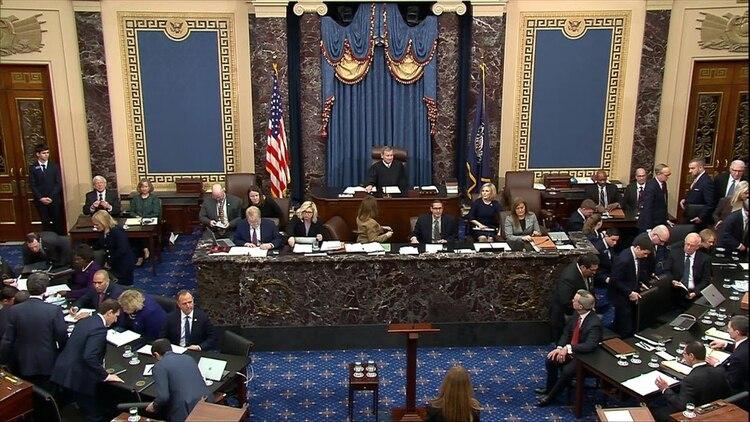 El Senado, con mayoría oficialista, absolverá a Donald Trump (Reuters)