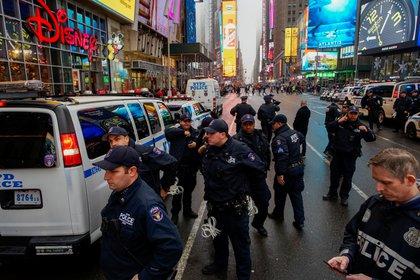 Policías reforzaron la seguridad en puntos clave de Manhattan (Reuters)