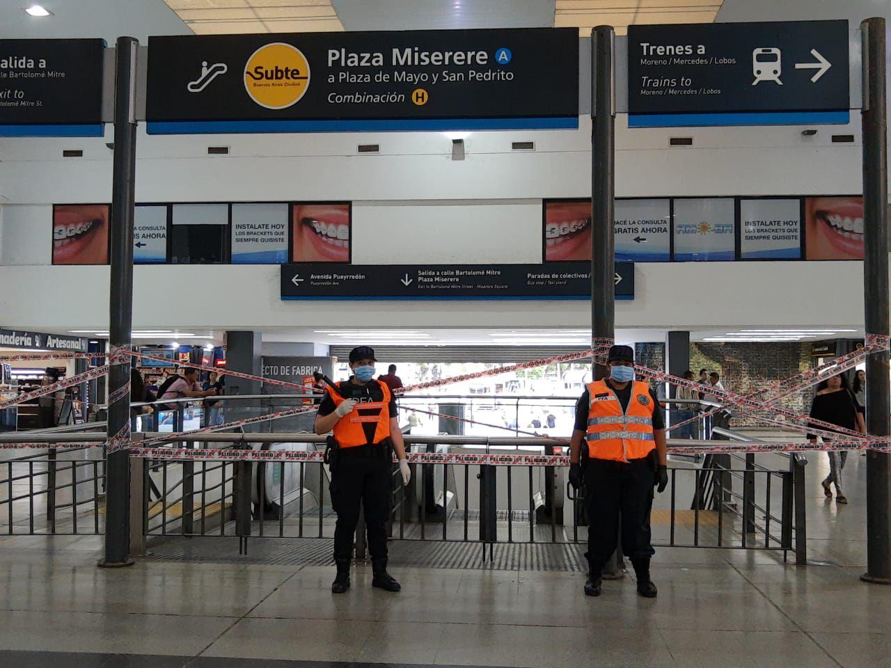 Policía Federal en la estación de trenes del barrio de Once