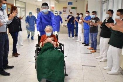 Estuvo 20 días hospitalizada y logró recuperarse satifactoriamente Foto: (IMSS)
