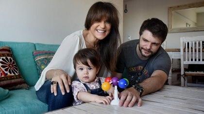 María Fernanda Callejón, su hija, Giovanna, y su marido, Ricky Diotto (Foto: Nicolás Stulberg)