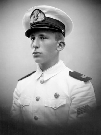 Enrique Shaw en la Marina