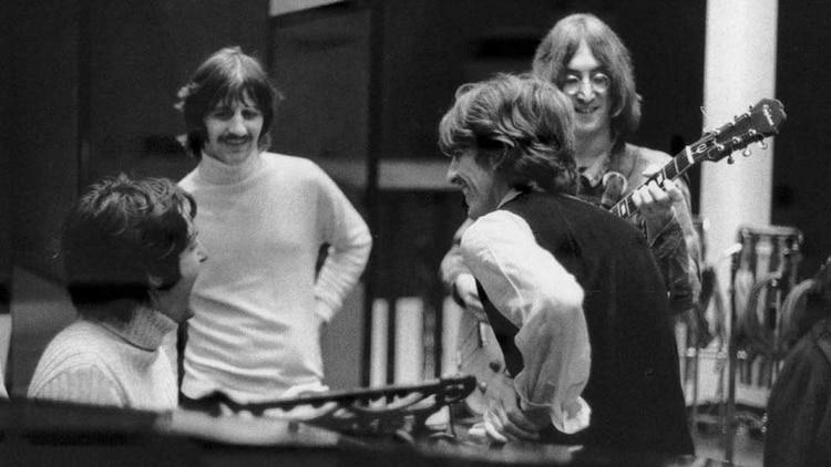 The Beatles, en el estudio grabando el Album Blanco