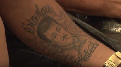 Malverde hasta en la piel. Foto: (Captura de pantalla YouTube)
