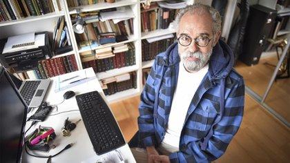 Norberto Siciliani fue docente, director y es pedagogo entre tantas cosas. Hoy tiene su vocación puesta en dictar cursos a educadores para dar una visión distinta de la educación