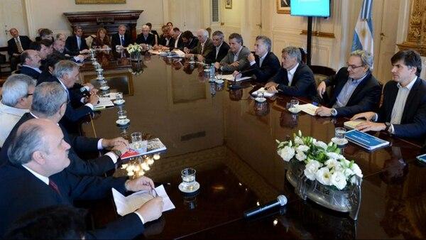 Macri encabezó un nuevo encuentro de la mesa de las carnes, donde se anunciaron medidas para los productores afectados por la sequía.