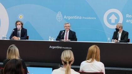 Alberto Fernández durante el acto en el que anunció 87 mil créditos para refacción y construcción de viviendas (foto Presidencia)