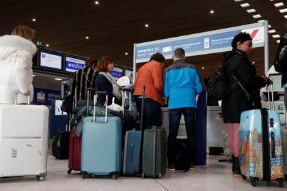 El mundo está en alerta por el coronavirus (REUTERS/Benoit Tessier)