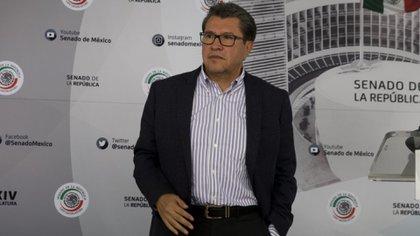 Monreal expresó sus dudas sobre la consulta, pero dijo que respetará la decisión de la mayoría de sus colegas senadores de Morena (Foto: Cuartoscuro)