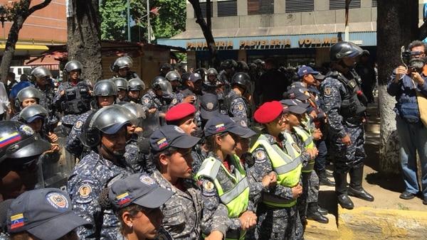 Decenas de manifestantes rechazan las políticas gubernamentales