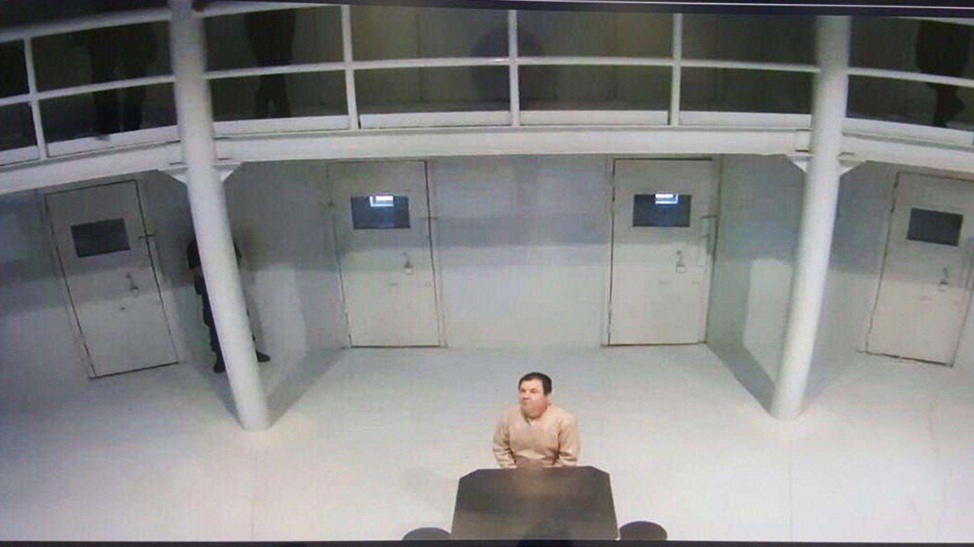 """De acuerdo a lo publicado por la cadena CNN, la abogada del """"Chapo """"detalló que come en su celda, se baña ahí mismo y tenía tres horas al día al aire libre, pero que ese tiempo le ha sido restringido por la pandemia (Foto: Cuartoscuro)"""