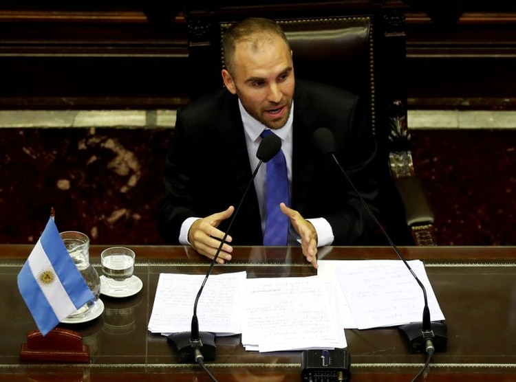 El ministro de economía, Martin Guzmán, prepara la oferta para presentar el lunes ante la Securites & Exchange Commission (SEC)