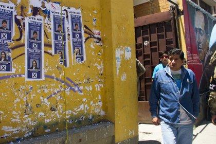Elecciones en un colegio electoral de La Paz, Bolivia (Europa Press)