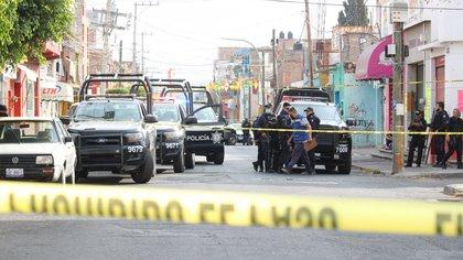 En un intento de asalto en Campeche, un hombre arrastró con su motocicleta a una mujer por varios metros