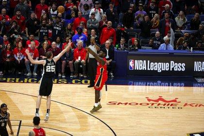 Cuatro triples en cuatro intentos para Zion en su estreno en la NBA (Derick E. Hingle-USA TODAY Sports)