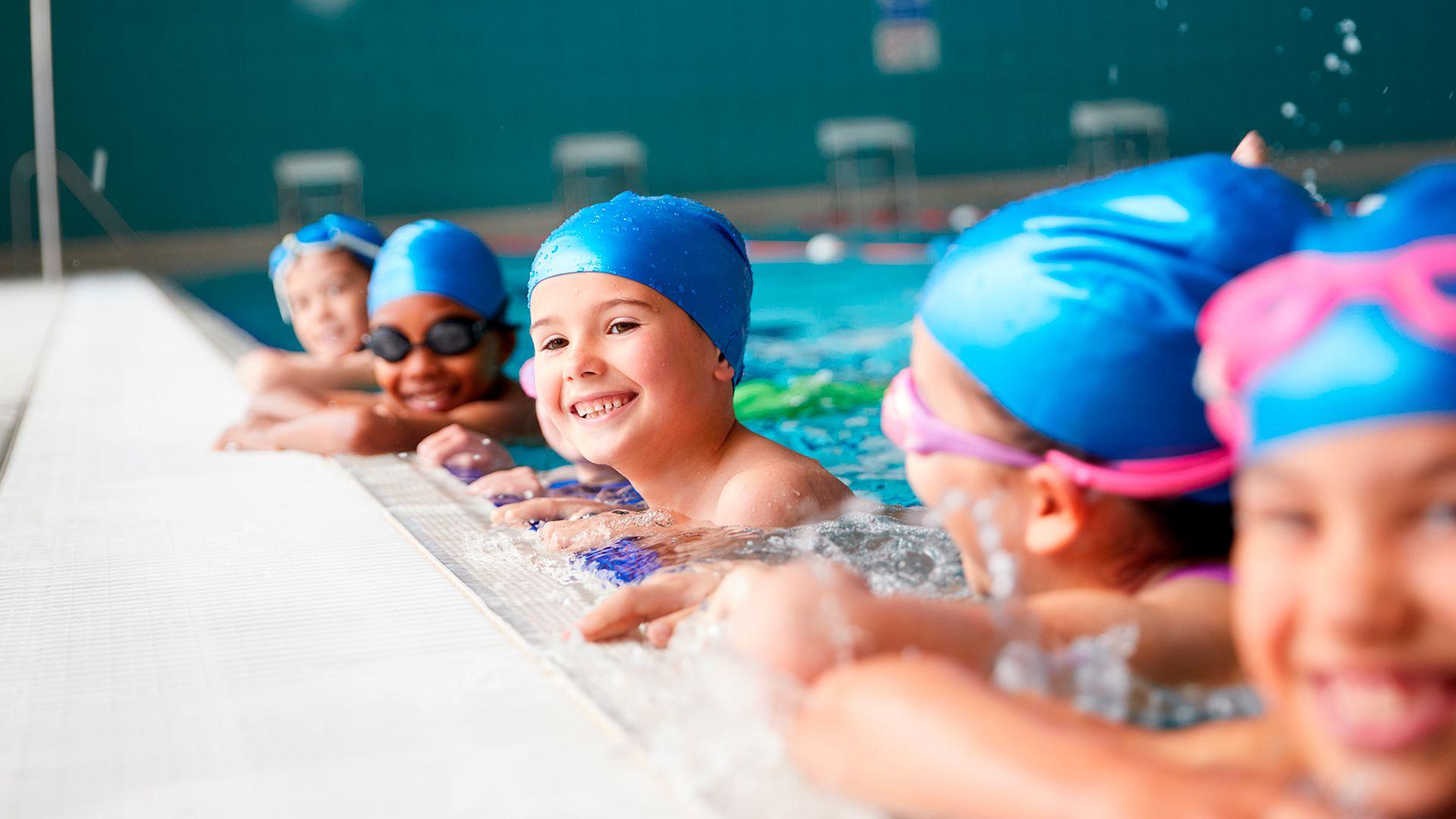 Las condiciones para el aprendizaje programado, grato y duradero de la natación estarían dadas entre los 3 y 5 años de edad (Shutterstock)