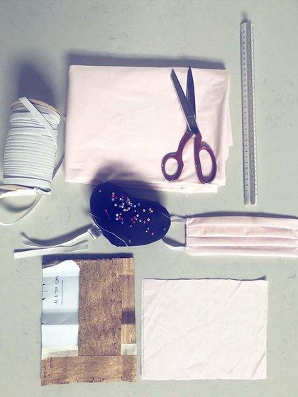 Los materiales listos para trabajar en el taller de la diseñadora Sabrina Ivezic
